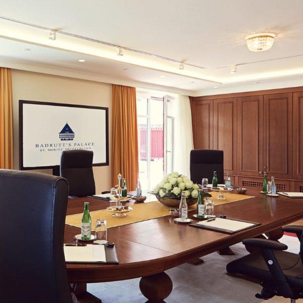 Schauen Sie sich unsere Konferenzräume an.