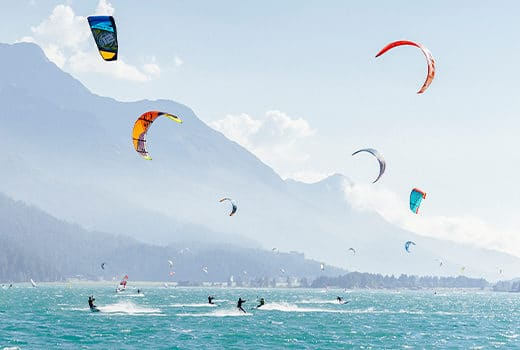 Surfen und Kitesurfen